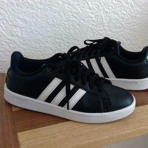 Adidas Cloudfoam sneakers black w/white stripe sz7